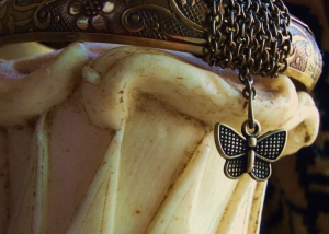 Flower Bangle w/Butterfly