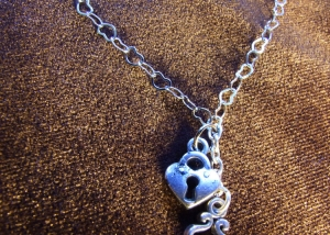 hearts_locket_steampunk